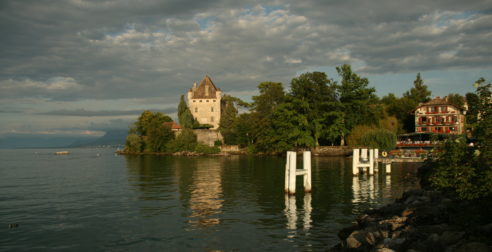 Yvoire castle from the port.