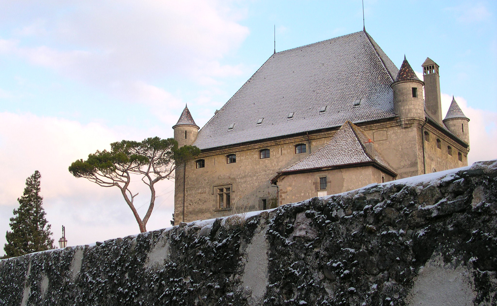 Yvoire castle under the winter snow